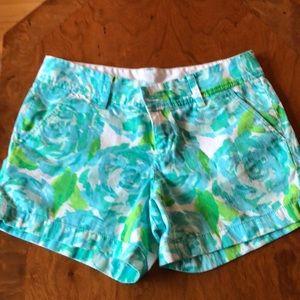 Lilly Pulitzer Callahan Shorts Size 4!  ROSES!!!